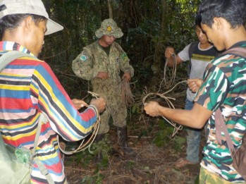 16.9 Kang Nuok rangers and a DoE ranger removed and confiscated 47snares