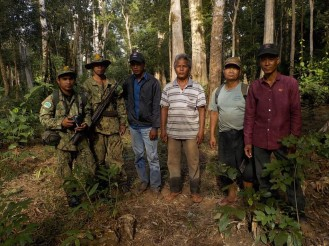 Community warden, village chief and 2 DoE rangers to stop logging in the forest. (Kang Nork, Dec 2016 )